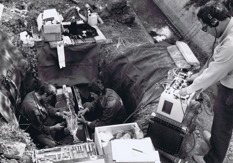 collaudo giunzione - operai Sirti 1971