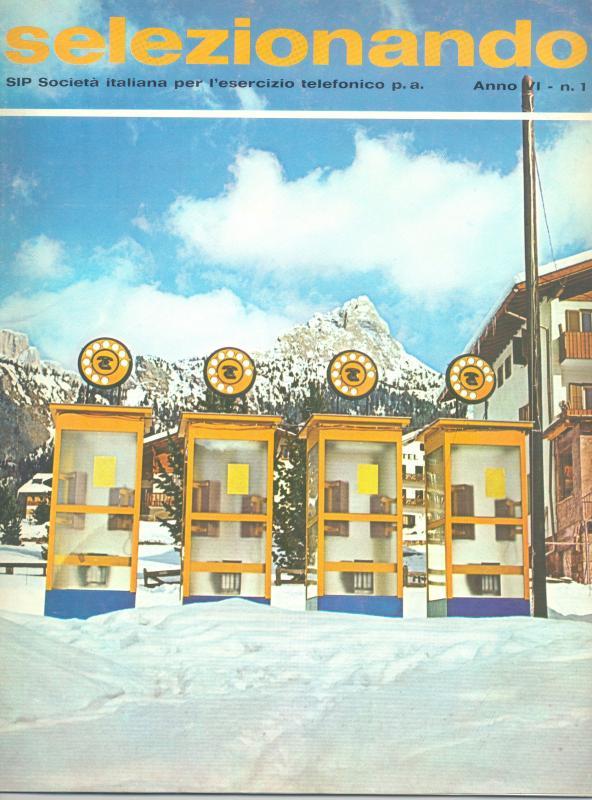 Le cabine telefoniche nei pressi dei campi di gara dei Campionati mondiali di Sci alpino di Ortisei, 1970