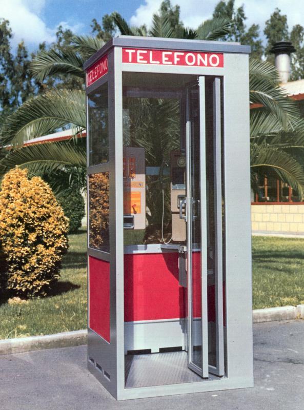 La cabina telefonica modello L/71, 1972
